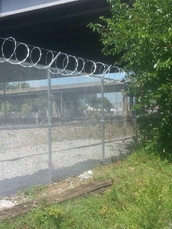 up rail lr 4